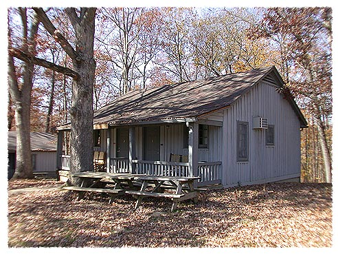 Rustic sleeping cabins photo brown county state park for Cabins near bloomington indiana